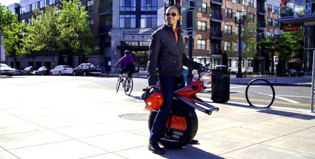 мотоцикл на одном колесе ryno cycle питается от електричества