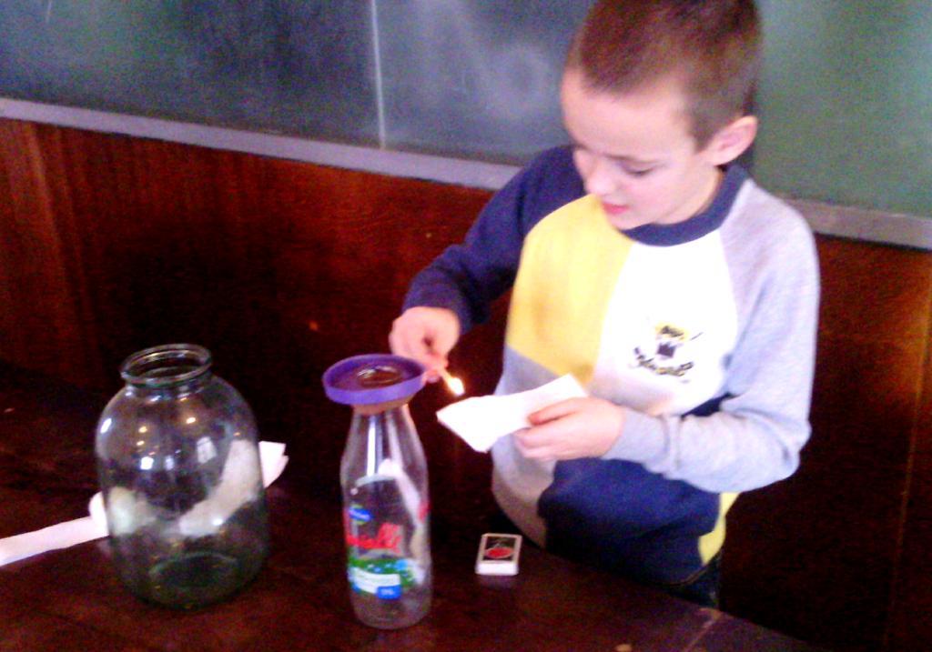 zanimatelye-opyty-ro-fizike-eksperiment-svoimi-rukami-06